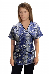 a_Top mock wrap 3 pocket half sleeve in Blue And White Flower print with black piping